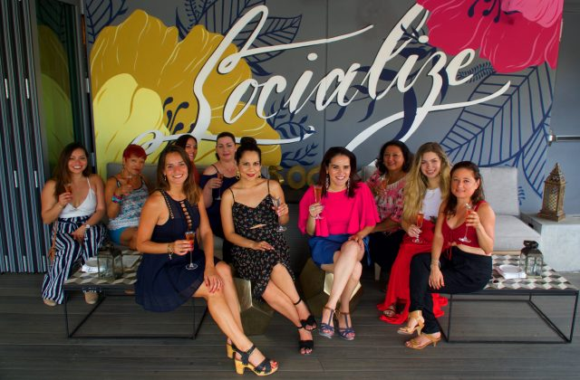 socialize Number 3 Social Rooftop Lounge Miami - Latinas Who Travel Meet up - evento