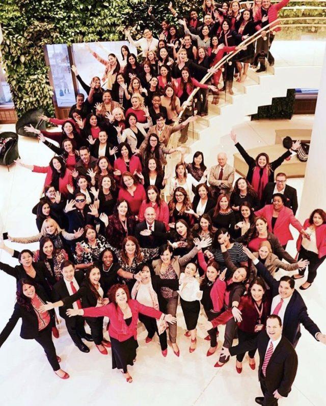 Red Shoe Movement - Latinas Who Travel - Latinas Que Viajan