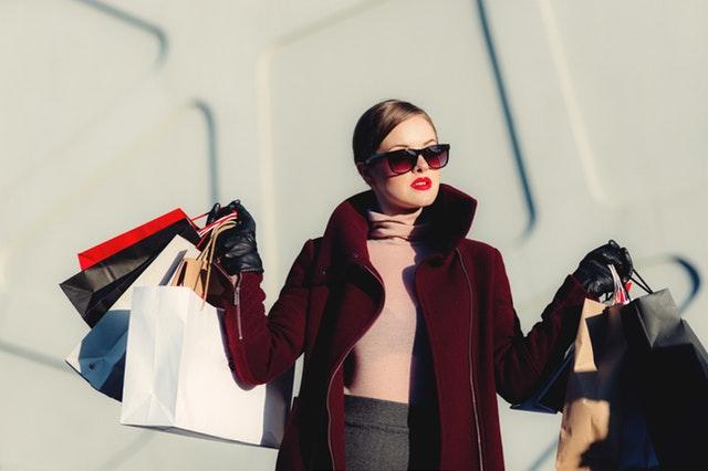 shopping travel style