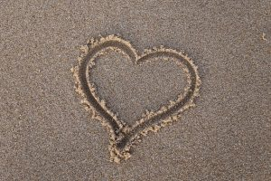 latinas who travel couple relationship love