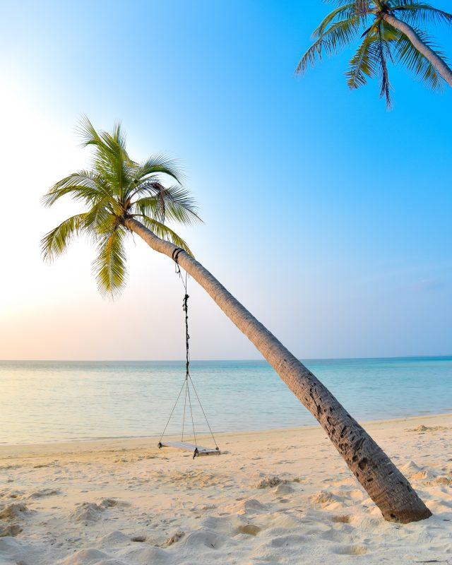 maldives latinas travel