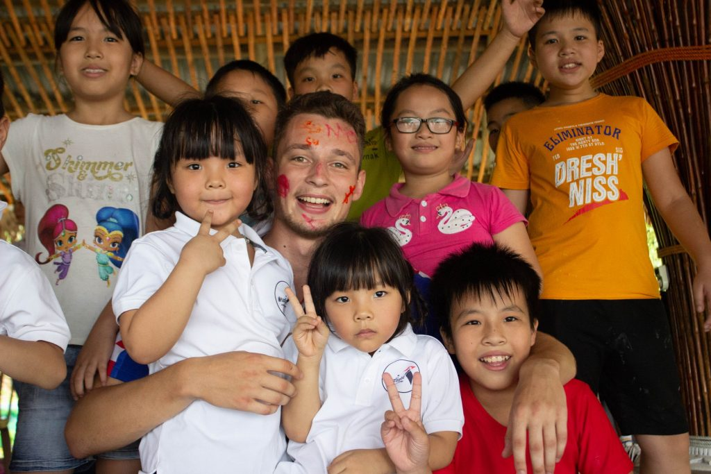 An Ultimate Guide to Volunteer in Vietnam as an English Teacher