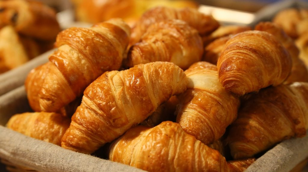 bread-croissants-french-patisserie