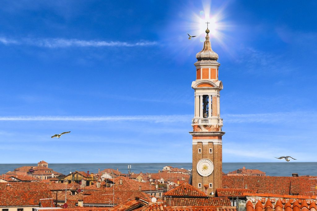 venice-sunshine-italy-travel