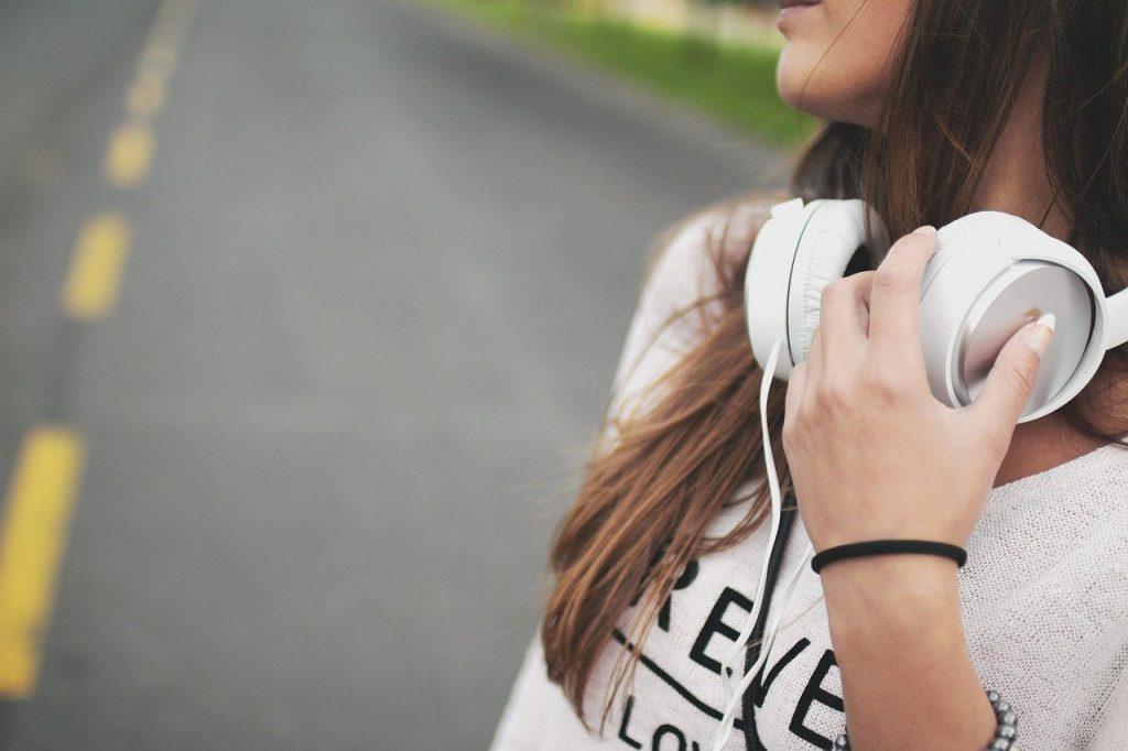 headphones-on-the-go