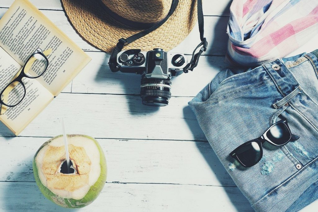 TIPS FOR TRAVELING DURING THE HOT SUMMER MONTHS